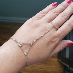 Silver Triangle Hand Harness